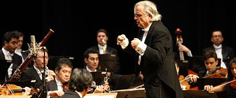 Concerto Especial comemorativo da temporada Sesi de Musica 2011. Foto: Julia Moraes
