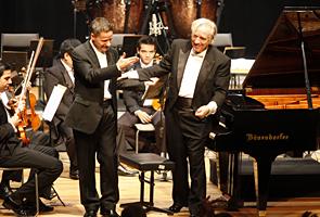 O pianista Marcelo Bratke e o maestro João Carlos Martins. Foto: Julia Moraes
