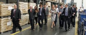 Skaf visita empresa de autopeças acompanhado pela ministra de Indústria da Argentina, Débora Giorgi