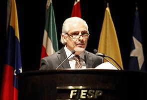 Carlos Cavalcanti, diretor-titular do Deinfra/Fiesp,  na abertura do Seminário da Unasul