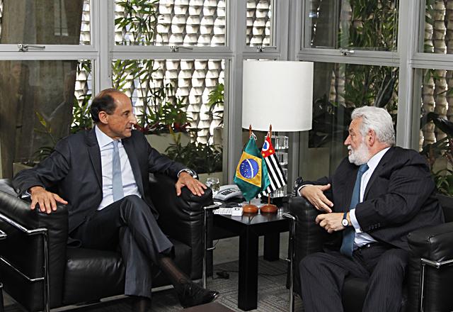 Presidente da Fiesp/Ciesp, Paulo Skaf, recebe o espanhol Vicente Loscertales, secretário-geral do Comitê Internacional de Exposições