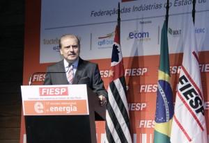 Carlos Cavalcanti, diretor-titular do Deinfra da Fiesp, discursa na abertura do 13º Encontro Internacional de Energia. Foto: Junior Ruiz