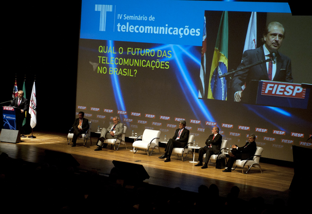 Seminário de Telecomunicações. Carlos Cavalcanti, diretor do Deinfra/Diesp. Foto: Everton Amaro