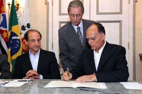 Paulo Skaf e João Paulo Tavares Papa, prefeito de Santos. Foto: Rogério Bomfim