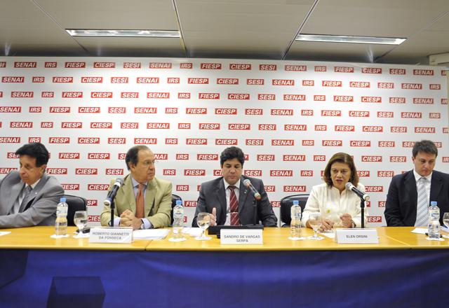 Da esq. p/ dir.: Luis Carlos Tripodo, Roberto Giannetti da Fonseca, Sandro de Vargas Serpa, Elen Orsini e Alexandre Ramos