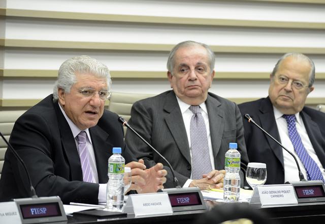 Da esquerda para a direita: Hadade, Carneiro e Ferreira:  propostas para reduzir burocracia. Foto: Everton Amaro/Fiesp