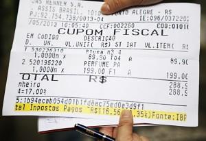 Detalhe de nota fiscal com o detalhamento do imposto. Foto: Julia Moraes