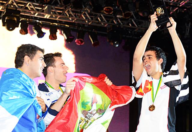 Lucas: medalha de ouro e apoio aos novos competidores. Foto: Arquivo Pessoal