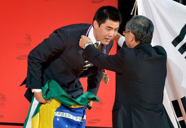 Inoue: medalha de prata na Alemanha e salto na carreira. Foto: Arquivo Pessoal