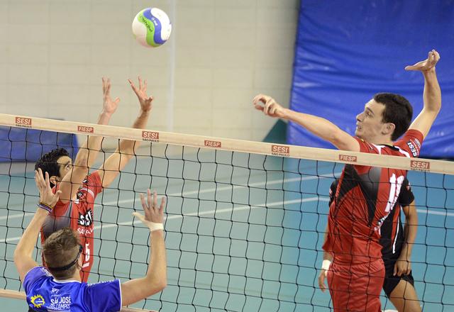 O jogo da equipe masculina do Sesi-SP contra o São José dos Campos: estreia com vitória. Foto: Helcio Nagamine/Fiesp