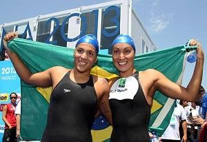 As maratonistas aquáticas do Brasil, Ana Marcela Cunha (à esquerda) e Poliana Okimoto. Foto: Divulgação/CBDA