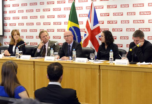 Da esquerda para a direita: Zanotto, Doddrell, Raquel e Gilmore no Great Roadshow de Investimentos do Reino Unido. Foto: Everton Amaro/Fiesp