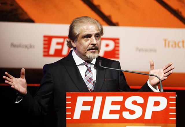 Carlos Cavalcanti, diretor-titular do Deinfra/Fiesp, durante a abertura do 14o. Encontro de Energia. Foto: Everton Amaro/Fiesp