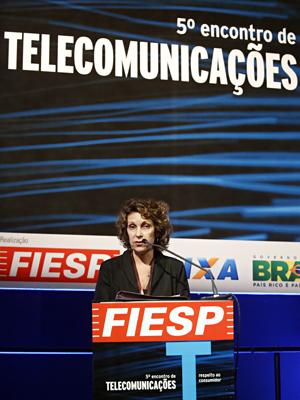"""Maria Inês, do Proteste: """"As tarifas cobradas no Brasil estão entre as mais caras do mundo"""". Foto: Everton Amaro/Fiesp"""