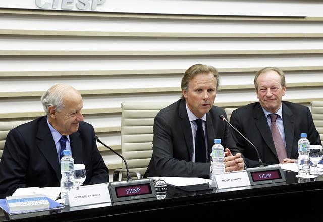 Da esquerda para a direita: Lavagna, Zanotto e Plögger na reunião desta terça-feira (13/08)