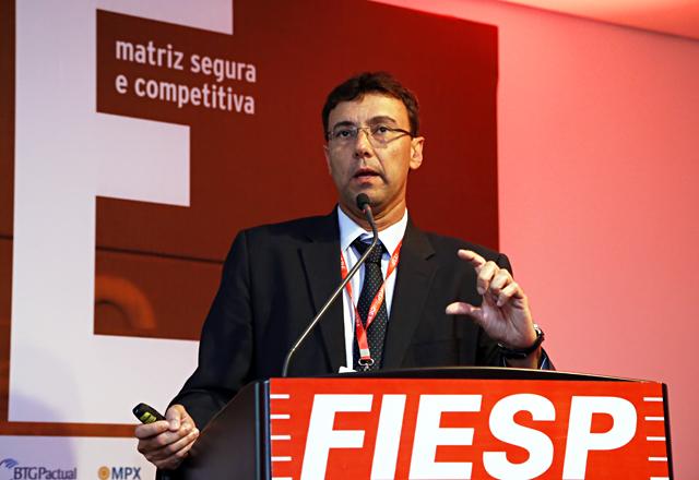 Pinto Jr apresentou uma linha do tempo do pré-sal em debate no 14º Encontro de Energia. Foto: Julia Moraes/Fiesp
