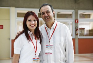 Adhiny e Paulo Cesar: trabalho completo com os alunos na escola. Foto: Ayrton Vignola/Fiesp