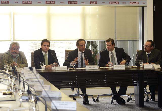 Skaf (ao centro), na reunião do Comin: consenso em nome do melhor para o país. Foto: Helcio Nagamine/Fiesp
