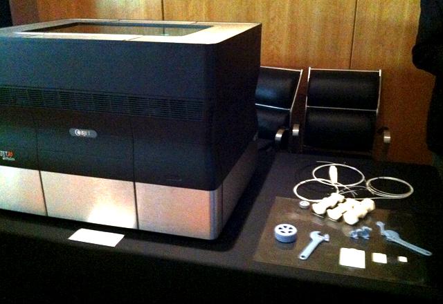 A impressora 3D exposta pelo Senai-SP no VIII Congresso da Micro e Pequena Indústria. Foto: Adriana Santos/Fiesp