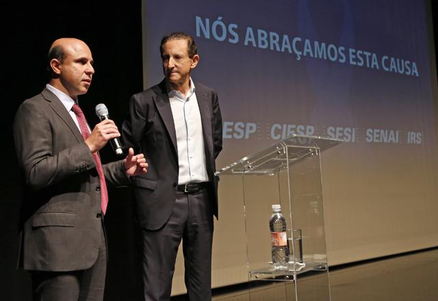 Maluf, à esquerda, e Skaf: campanha em nome da prevenção que salva vidas. Foto: Ayrton Vignola/Fiesp