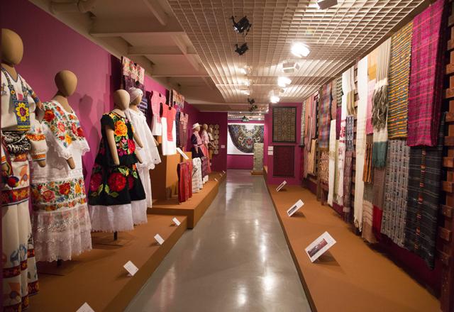 Ala da exposição Grandes Mestres da Arte Popular Ibero-Americana: resgate da herança cultural que forma a nossa identidade. Foto: Beto Moussalli/Fiesp