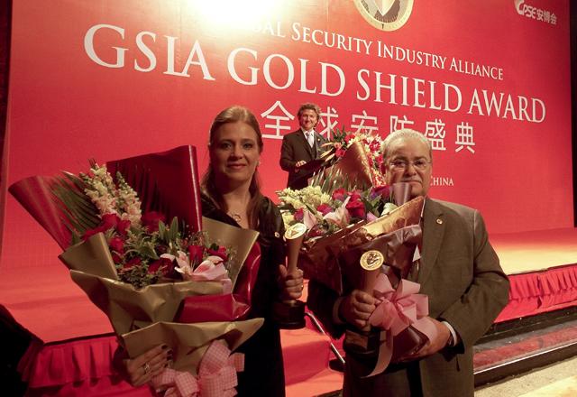 Selma e Lerner foram premiados com o Gold Shield, que reconhece ações na área de segurança. Foto: Arquivo Fiesp
