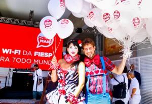 Palhaços ajudaram a animar os paulistanos na festa deste sábado (25/01). Foto: Tâmna Waqued/Fiesp