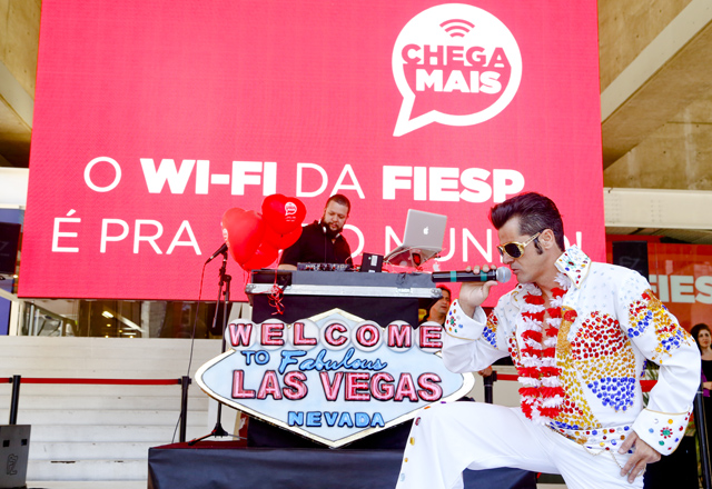 O Elvis da Paulista: feliz pelo reconhecimento nas ruas da cidade. Foto: Tâmna Waqued/Fiesp