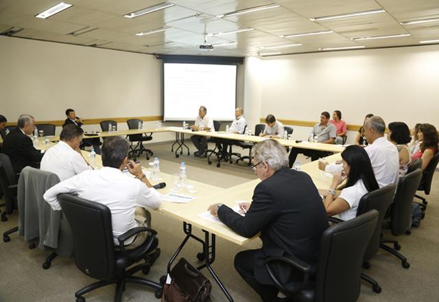 A reunião do Compesca: destaque para as ações do comitê em 2013. Foto: Tâmna Waqued/Fiesp