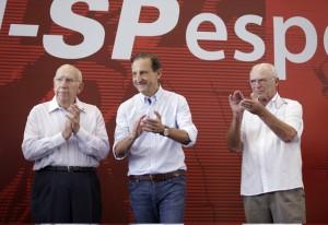 Da esquerda para a direita: Tuta, Skaf e Truffa: homenagem às personalidades locais. Foto: Everton Amaro/Fiesp