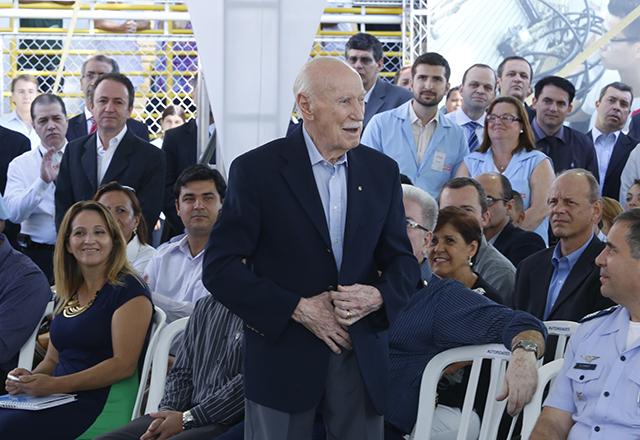 """Naresse: """"O Senai-SP está sempre revivendo e fico muito feliz ao ver como está a escola de Guarulhos hoje."""""""