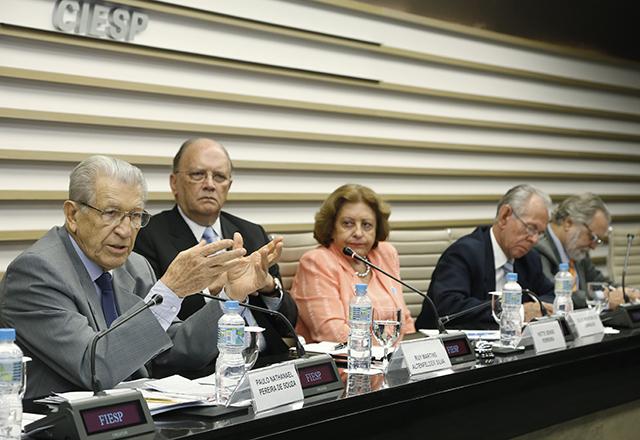 A reunião do Consea: necessidade de adoção de um modelo educacional para o país. Foto: Tâmna Waqued/Fiesp