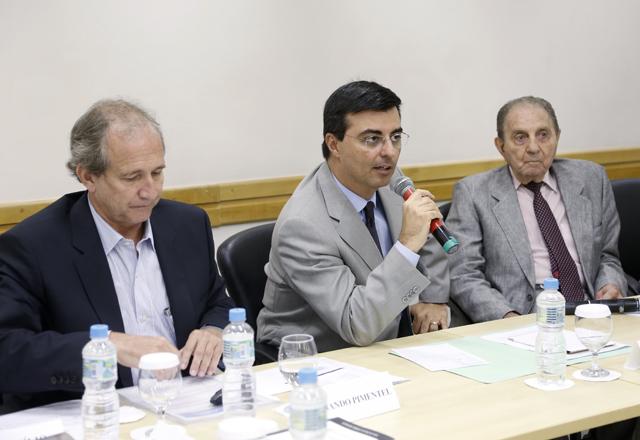 Da esquerda para a direita: Pimentel, Cervone e Haddad: sinergia em nome do setor. Foto: Tâmna Waqued/Fiesp