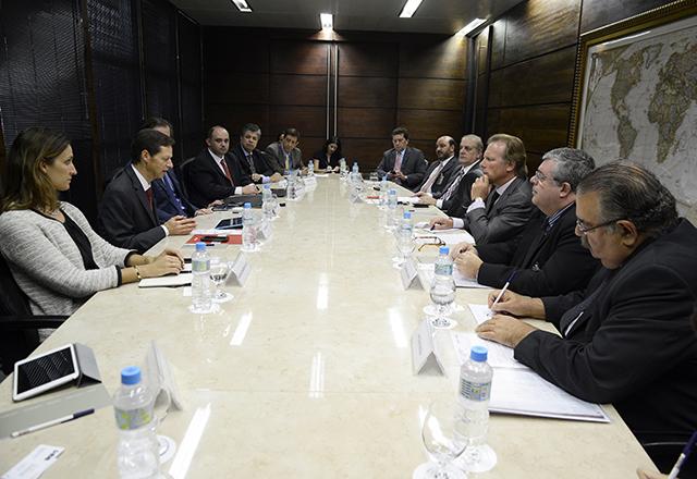 A reunião no Derex com representantes do BID: aposta na iniciativa privada. Foto: Helcio Nagamine/Fiesp