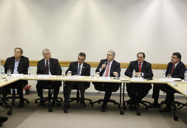 Rossitto (com o microfone): novo grupo de trabalho sobre Responsabilidades do Investimento Público. Foto: Tâmna Waqued/Fiesp