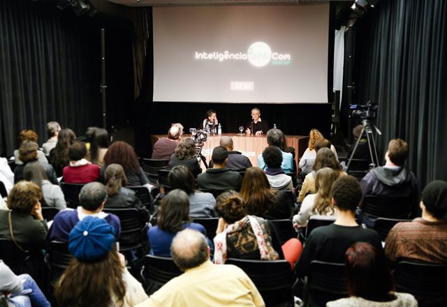 Helena e Nóbrega no InteligênciaPontoCom: debate sobre os caminhos da dança brasileira. Foto: Tâmna Waqued/Fiesp