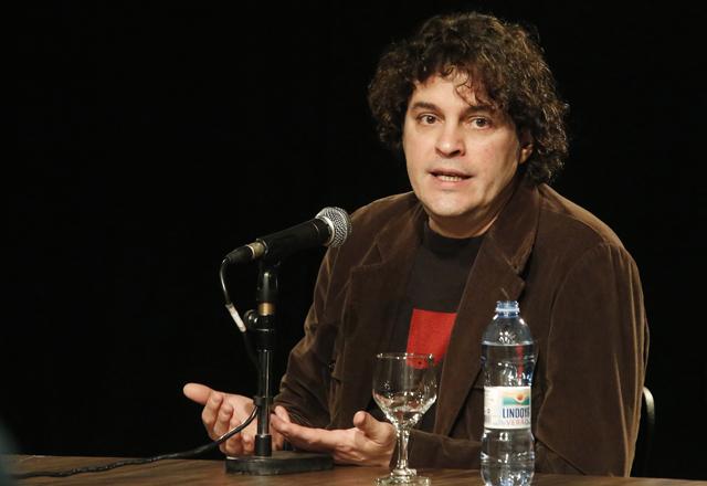 "Costa Pinto: ""A Bienal é a loja de departamento dos livros"". Foto: Beto Moussalli/Fiesp"