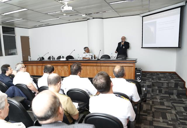 A apresentação do Comdefesa para os alunos da  Escola de Guerra Naval: ações da indústria de São Paulo. Foto: Everton Amaro/Fiesp