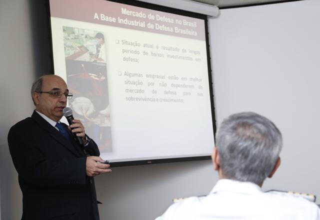 """Katsanos: """"O setor estimula o desenvolvimento econômico do país"""". Foto: Everton Amaro/Fiesp"""