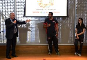 """A partir da esquerda: Barros, com Marco Aurélio e Veronica. """"Incluir de forma honesta e inteligente"""". Foto: Helcio Nagamine/Fiesp"""