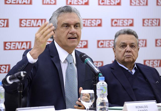 O senador Ronaldo Caiado (DEM-GO) e o ex-ministro da Agricultura Roberto Rodrigues
