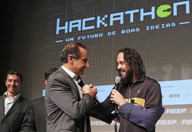Gabriel O Pensador chega ao Teatro do Sesi-SP para encerrar o 4o Hackathon. Foto: Ayrton Vignola/Fiesp