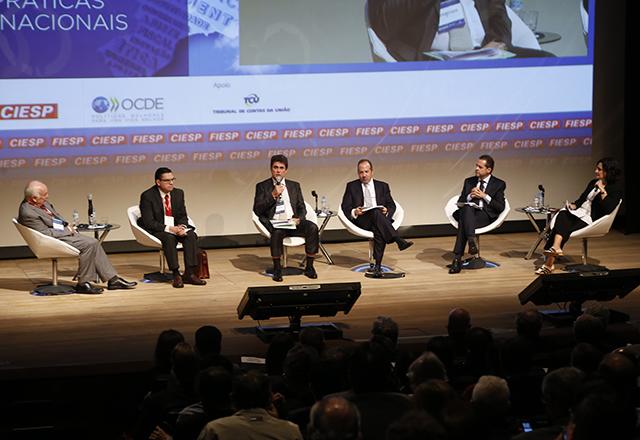 Autoridades debatem participação da indústria na economia brasileira durante seminário da Fiesp e da OCDE.Foto: Helcio Nagamine/Fiesp