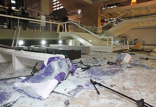 Efeitos do ataque ao prédio da Fiesp. Foto: Ayrton Vignola/Fiesp