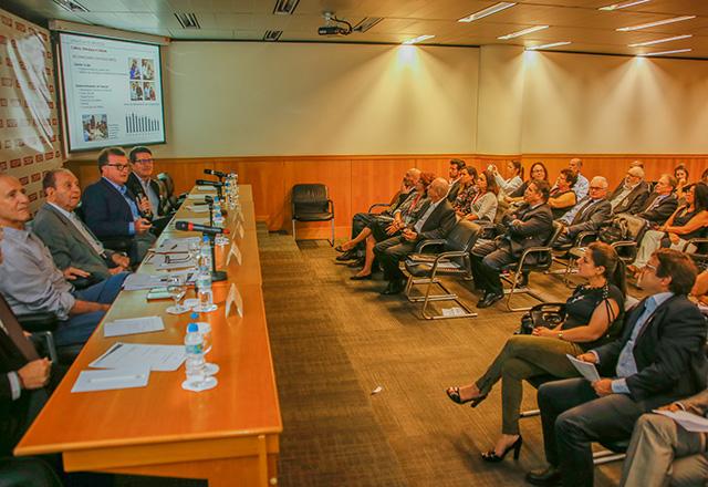 Reunião do Comtextil da Fiesp com a participação de José Galló, presidente das Lojas Renner