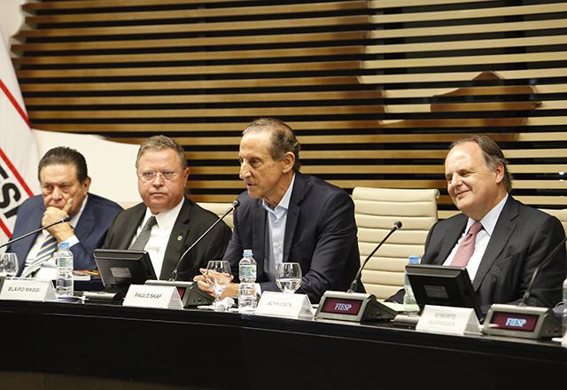 Paulo Skaf, ao lado de Blairo Maggi e Jacyr da Costa Filho na reunião de 10 anos do Cosag - Foto: Helcio Nagamine/Fiesp