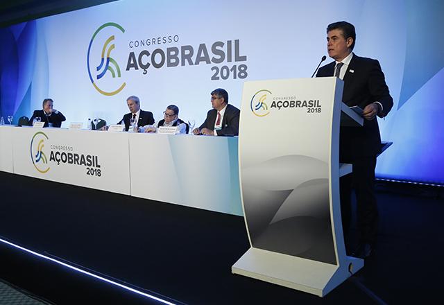 O presidente em exercício da Fiesp e do Ciesp, José Ricardo Roriz, em palestra no Congresso Aço Brasil. Foto: Ayrton Vignola/Fiesp