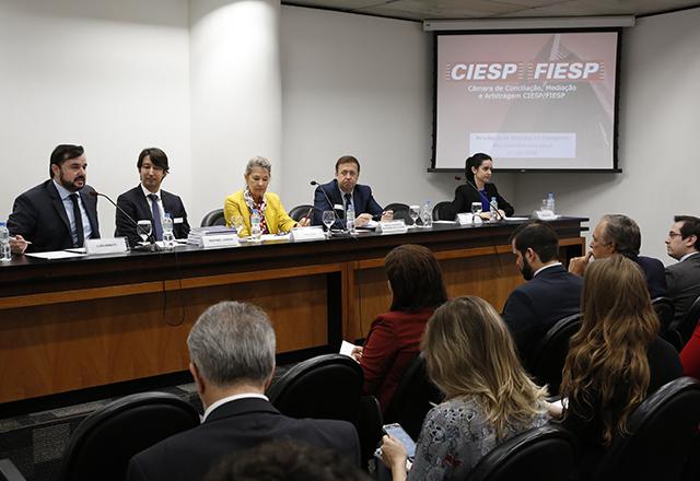Debate sobre métodos adequados de resolução de disputas no transporte marítimo internacional. Foto: Ayrton Vignola/Fiesp